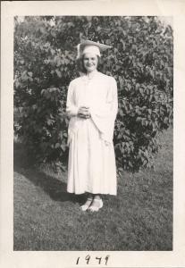 mom1949graduation
